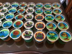 Gelatinas plants vs zombies Zombies Zombies, Plants Vs Zombies, Candy Stations, Tutorials, Pastries, Party