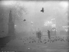 Negli anni 50 a Londra ha avuto luogo un mortale evento atmosferico. La città è stata infatti invasa da una nebbia killer che ha lasciato 4000 morti.