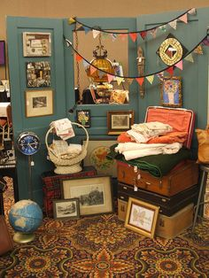 I love this set up. Vintage show booth display. #vintage #booth #decor