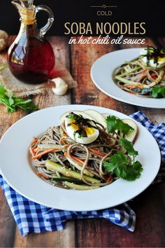 Cold soba noodles mixed with vegetables in a savory hot chili oil sauce. This is a wonderful meal for a warm weather, and it only takes 15 minutes Hot Chili Oil, Cold Soba, Soba Noodles, Kitchen Recipes, Healthy Recipes, Sweets Recipes, Delicious Recipes, Healthy Food, Desserts