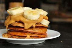 Peanut Butter and Banana Protein Pancakes #secretrecipeclub #glutenfree #peanutbutter #banana #protein #pancakes #breakfast #healthyrecipes #mangia