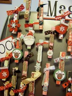 Hah! Told ya! Christmas clothes pins! I do not know if I would make them, but they'd be good gift tags. Christmas Craft Fair, Craft Stick Crafts, Christmas Projects, Holiday Crafts, Crafts For Kids, Christmas Decorations, Paper Crafts, Diy Crafts, Christmas Ornaments