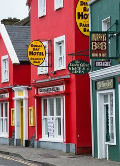 Dingle, Ireland: the best places to eat, drink and sleep on a budget - Ate at both Dingle Bay Hotel AND Murphy's