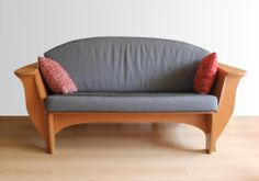 Tweezitter bankje. -- Two-seater sofa.