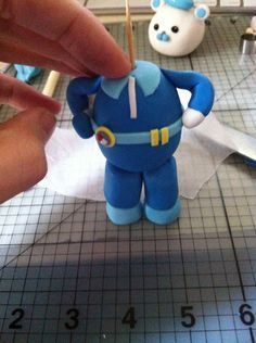How to make a Fondant Captain Barnicals