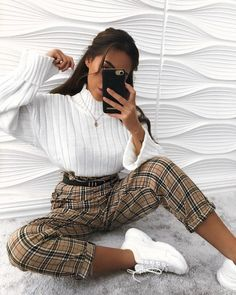 How to wear fall fashion outfits with casual style trends Cute Casual Outfits, Retro Outfits, Vintage Outfits, Hijab Casual, Ootd Hijab, Casual Trouser Outfit, Trouser Outfits, Cute Girl Outfits, Hijab Outfit
