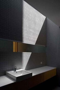 bathroom | casa o | portugal | by belèm lima arquitectos.