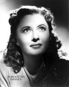 Barbara Stanwyck Very Young Beautiful Close Up Photo | eBay