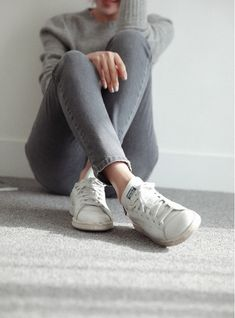 Grey outfit + Stan Smith