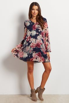 A gorgeous floral print gives a feminine feel and a lightweight chiffon material will keep you cool and looking beautiful. Pair this maternity dress with boots and a long necklace for a complete ensemble to wear to any occasion.