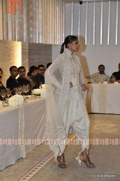 Anamika Khanna show at Evoluzione for PCJ Delhi Couture Week Indian Fashion Salwar, Asian Fashion, Anamika Khanna, Joan Smalls, Indian Embroidery, Indian Couture, Couture Week, Pakistani Dresses, Pretty Dresses