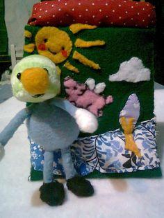 El pequeño Dondo y mi bolsito del cerdo volador! (ambos hechos por mí) *** Li'l Dondo and my flying pig purse! (Both made by me)