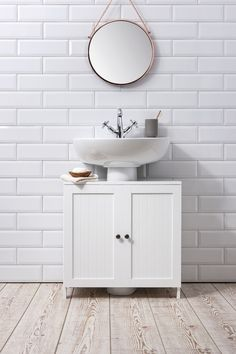 Bathroom Cabinet Ideas to Tidy up Your Bathroom Bathroom Sink Cabinet Undersink in White Stow Diy Cupboards, Bathroom Sink Cabinets, Bathroom Flooring, Bathroom Furniture, Bathroom Interior, Diy Furniture, Bathroom Ideas, Rental Bathroom, Furniture Vintage