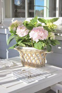 Pink Hydrangea, Interior Styling, Glass Vase, Home Decor, Style, Interior Decorating, Swag, Decoration Home, Room Decor