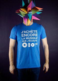 T-shirt  J'achète encore la musique que par MoustacheMoutarde
