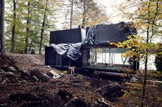 Vipp Shelter is a hotel in a woodland cabin by the lake Immeln designed to invite people to experience firsthand the Vipp's philosophy of good design. Minimal House Design, Minimal Home, Amazing Architecture, Modern Architecture, Compact House, House And Home Magazine, Prefab, Shelter, Woodland