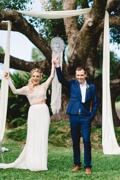 • Allyce + Daniel's stunning bohemian Queensland wedding. Images Trent and Jessie | Bride's Dress Karen Willis Holmes | Bride's Shoes Novo | Bridesmaid's Dresses Esther Boutique | Groom's Suit YD | Rings Michael Hill | Hair Erin Stuart Styles | Makeup Erin Stuart Styles | Ceremony Venue Braeside Chapel | Celebrant Vogue Vows | Flowers Bits & Buds | Catering Spits n Pieces | Entertainment The Paper Flowers | Stationary/Invitations Payne Print | Transport Golden Gate Limousines | Styling/Prop…