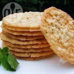 Кружевное овсяное печенье  Ингредиенты Порций: 48       1 стакан быстрого геркулеса     4 ст.л. муки     0.5 ч.л. соли     1.5 ч.л. разрыхлителя     1 стакан сахара     100 г сливочного масла, комнатной температуры     1 ч.л. ванили     1 яйцо