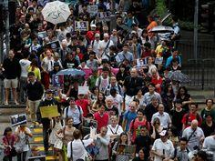 Hundreds in Hong Kong protest NSA surveillance