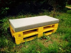 DIY Pallet Cushioned Patio Bench / Sofa | 99 Pallets