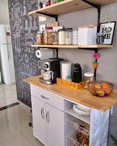 Cantinho do café! Modern Kitchen Cabinets, Kitchen Cabinet Design, New Kitchen, Kitchen Decor, Coffee Nook, Coffee Bar Home, Kitchen Organization Pantry, English House, Design Moderne