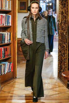 Лучших изображений доски «Chanel»  316   Chanel fashion, Wraps и ... 1e6bfababa5