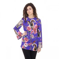 Made of: VI Dolce & Gabbana ladies blouse FSRDQ Details - Composition: VI - Made in Italy SPECIAL NOTE: this item is subject to a days minimum delivery time. Long Kurtis, Dolce And Gabbana Man, Blouses For Women, Versace, Floral Tops, Bell Sleeve Top, Women Wear, Lady, Casual