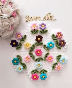 Flower Embroidery Designs, Knitting Projects, Diy And Crafts, Flowers, Embroidered Roses, Toss Pillows, Accessories, Royal Icing Flowers, Flower