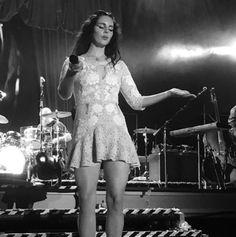 Lana performing at 'Krakow Live Festival', Poland (Aug. 19, 2017)