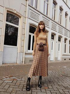 new products 51978 6aaef Plaid Pleated Midi Skirt