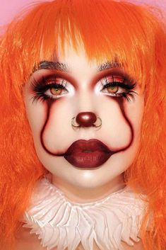Are you ready for the idea of Halloween makeup looks? let's take a look at the best Halloween make-up we have. All Halloween costumes are included. Halloween Makeup Clown, Beautiful Halloween Makeup, Halloween Tags, Halloween Makeup Looks, Scary Halloween, Easy Clown Makeup, Easy Makeup, Maquillage Halloween Simple, Orange Makeup