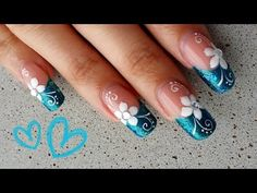 Uñas flor sencilla azul y blanco - Easy blue and white flower nail art Gradient Nails, Fun Nails, Pretty Nails, Turquoise Nail Designs, Hawaii Nails, Design Youtube, Black And White Nail Art, Manicure, Lace Nails
