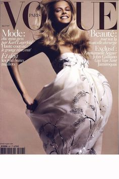 Julia Stegner was cover girl for the May 2005 issue of Vogue Paris, shot by David Sims in a Christian Dior haute couture dress. Vogue Magazine Covers, Fashion Magazine Cover, Fashion Cover, Vogue Covers, David Sims, Dior Haute Couture, Vogue Paris, Vogue Fashion, Fashion Models