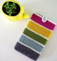 Stash Buster Tablet Case, de Alycia D. http://www.ravelry.com/patterns/library/stash-buster-tablet-case