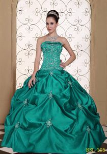 2013 Stylish Green Strapless Sweet 15 Dresses with Embroidery and Pick-ups