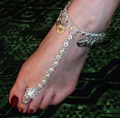indian foot jewellery | Image Courtesy : entertainmentpk.com)