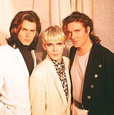John, Nick and Simon. Big Thing era hairdos still do not excite.