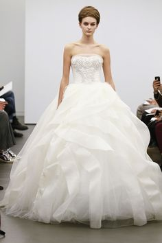 Vera Wang's Classic White Fall 2013 Collection