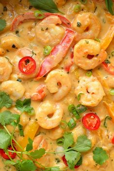 Prawns in an easy Thai coconut sauce - shrimp and peppers in a creamy, flavourful Thai-style coconut sauce. Lunch Recipes, Appetizer Recipes, Breakfast Recipes, Dinner Recipes, Coconut Sauce, Thai Coconut, Thai Prawn Curry, Fish And Seafood, Brunch