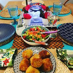 Risotto balls Risotto Balls, Arancini, Mozzarella, Baking Recipes, Vegetarian Recipes, Organic, Meals, Chicken, Cooking