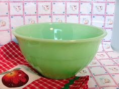 Jadeite Ribbed Mixing Bowl by Jeannette Glass by VintageLoversShop