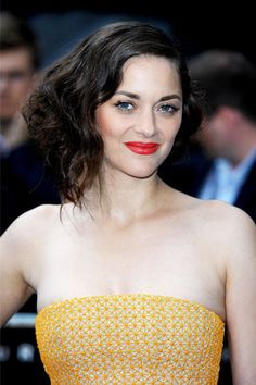 Love Marion Cotillard's whole look here