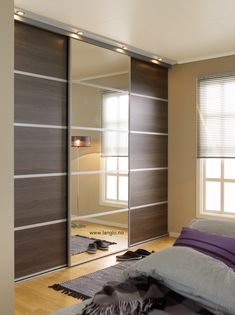 Bilderesultat for skyvedørsgarderobe Wardrobe Interior Design, Wardrobe Design Bedroom, Bedroom Bed Design, Bedroom Furniture Design, Home Room Design, Modern Bedroom, Mirrored Bedroom Furniture, Wardrobe Furniture, Sliding Door Wardrobe Designs