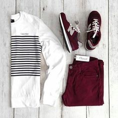 Outfit grid - Burgundy jeans