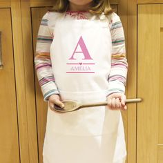 You can personalise this apron with an initial and then a name underneath up to 12 characters long.