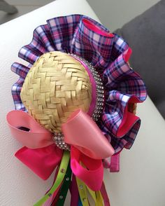 Hat Crafts, Diy And Crafts, Afghan Dresses, Diy Hat, Love Pet, Barbie, 4th Of July Wreath, Burlap Wreath, Fascinator