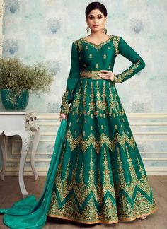 Shop Online Alluring Mulberry Silk Abaya Style Anarkali In Green Color For Indian Bridesmaids Royal Silk 8254 By Aashirwad From USA Party Wear Gowns Online, Gown Dress Online, Balochi Dress, Silk Anarkali Suits, Anarkali Gown, Salwar Suits, Long Anarkali, Designer Anarkali, Abaya Fashion