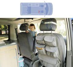 Los bolsilleros del asiento delantero de una furgoneta camper