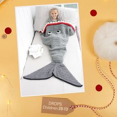 A super fun idea for a gift you can Christmas is this super fun . Free Baby Blanket Patterns, Knitting Patterns Free, Free Knitting, Baby Knitting, Free Crochet, Free Pattern, Drops Design, Maid Marian, Drops Baby