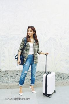 For Adri's bachelorette party, Adri's stepmother/aunt and future sister-in-law… Fashion 101, Fashion Models, Fashion Outfits, Kathryn Bernardo Outfits, Packing Clothes, Daniel Padilla, Beautiful Asian Women, Asian Woman, Beautiful Outfits